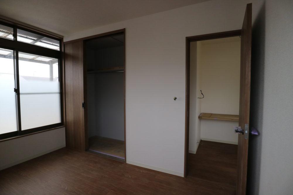 2階 洋室①6帖と踊り場