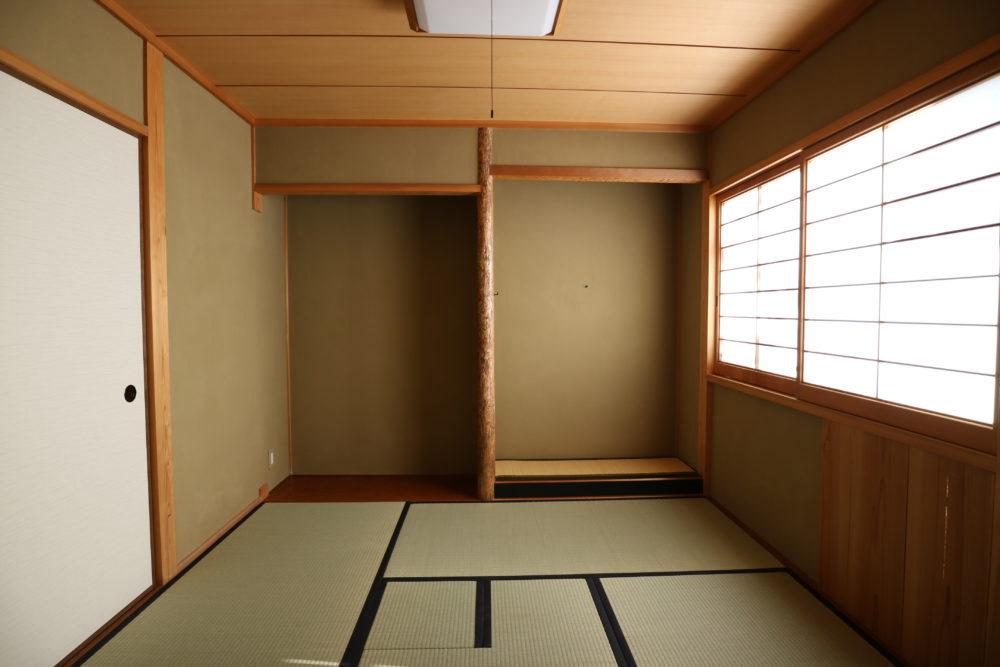 壁塗り替え、畳の表替え完了。