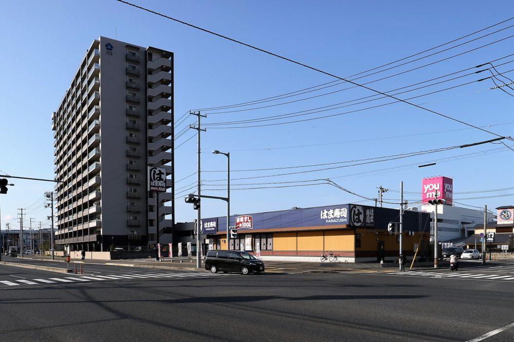隣の「はま寿司」が目印です。「ゆめタウンみゆき」へは歩いて1分。