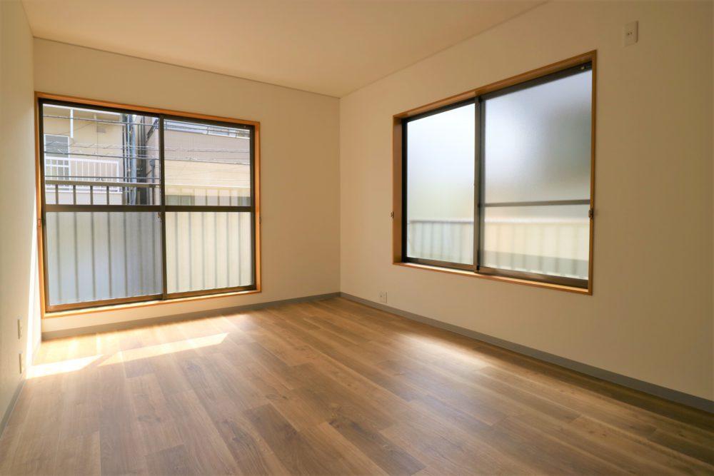 2階の和室は洋室に。