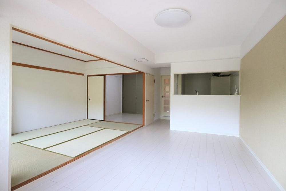 和室は、戸襖を外してリビングの延長に、戸襖で仕切って寝室にもおすすめです。