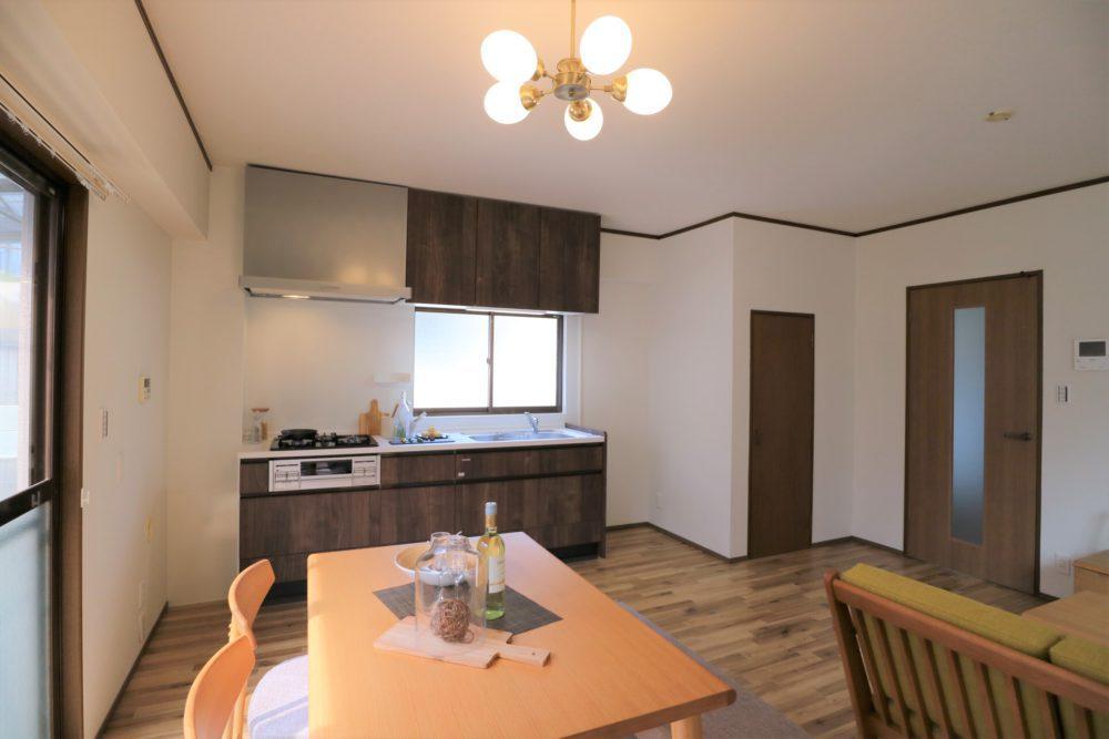 全室カーテンレール付き ※家具、小物は付帯しません。